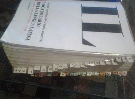 Per valorizzare l'uso del vocabolario cartaceo. Silvia Montesi.